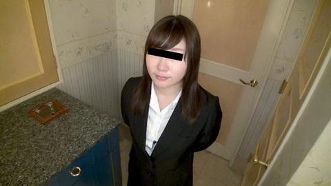 リクルートスーツに身を包むヤリマン就活娘 赤堀良子