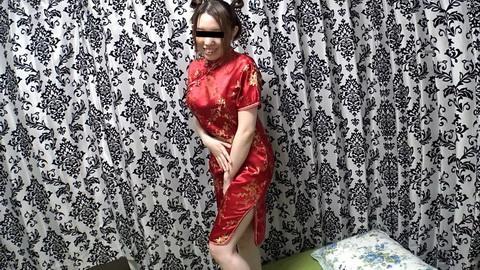 チャイナ服を優しく脱がして 峰岸ようこ