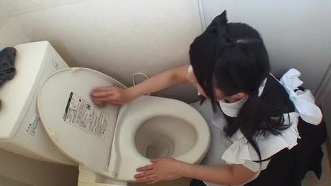メイド服姿の家事代行サービスで僕のチンコもお掃除してもらいました2 山下かおり