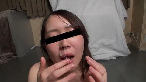 顔射されたザーメンを一滴残らず味わう娘 増子理恵